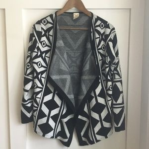 Faded Glory Black/White Geometric Cardigan, Small